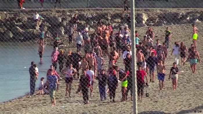 محكمة اسبانية تعلق ترحيل مهاجرين قاصرين الى المغرب
