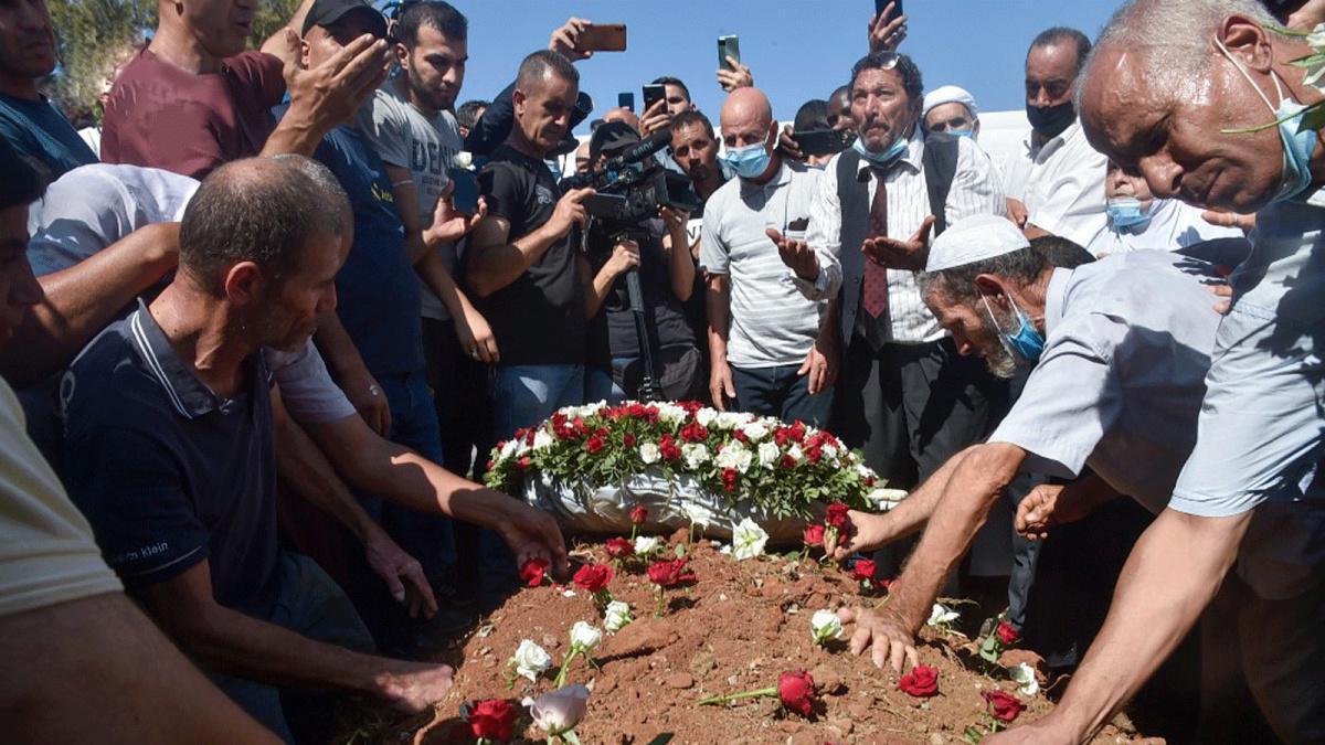 الرئيس الجزائري السابق بوتفليقة يوارى الثرى بمراسم تكريم أقل من أسلافه
