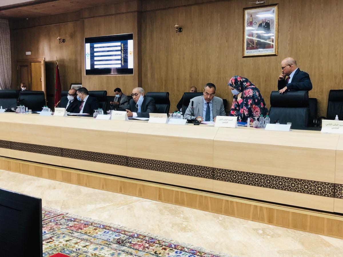 مجلس جهة الداخلة - وادي الذهب ينتخب رؤساء ونواب لجانه الدائمة وهيئاته الاستشارية