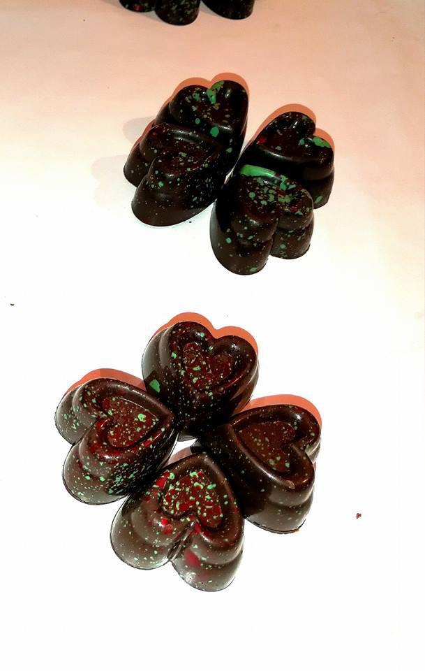 Cioccolatini cioccolato fondente ripieno di ganache ai lamponi