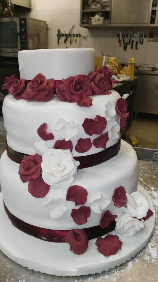 Matrimonio petali di rosa