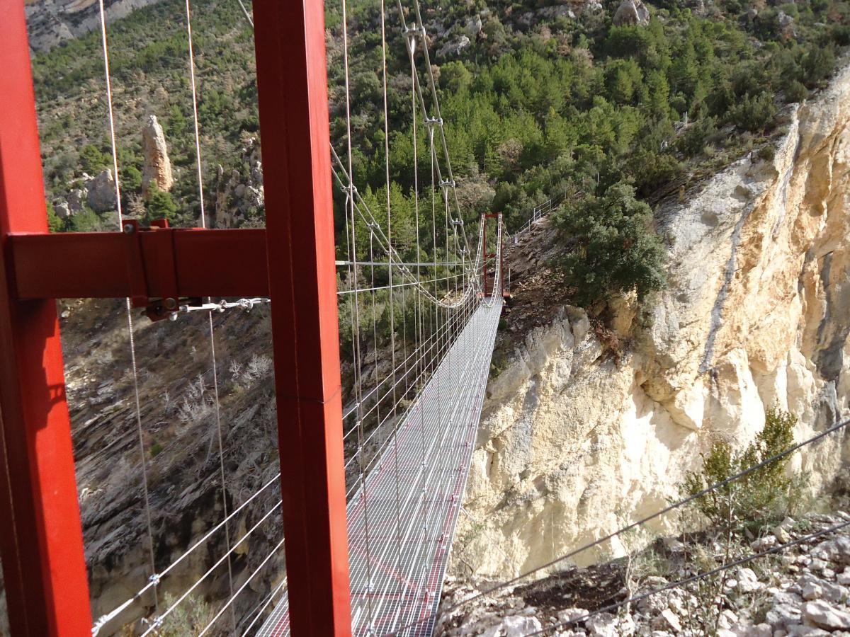 Camino natural de Montfalcó a Mont-rebei (pasarelas de Montfalcó)