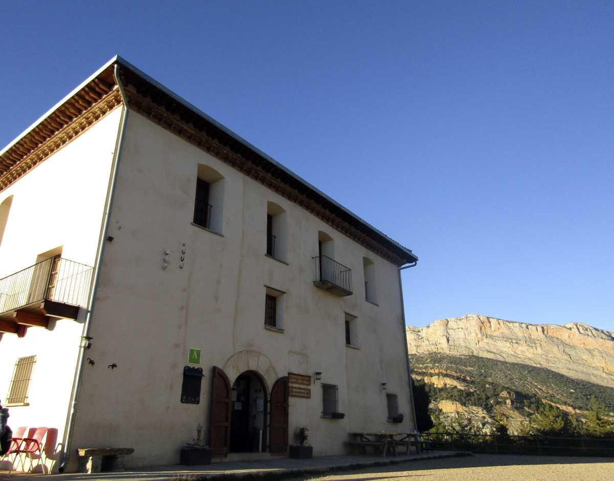 Cerrados el albergue de Montfalcó y el restaurante de Viacamp