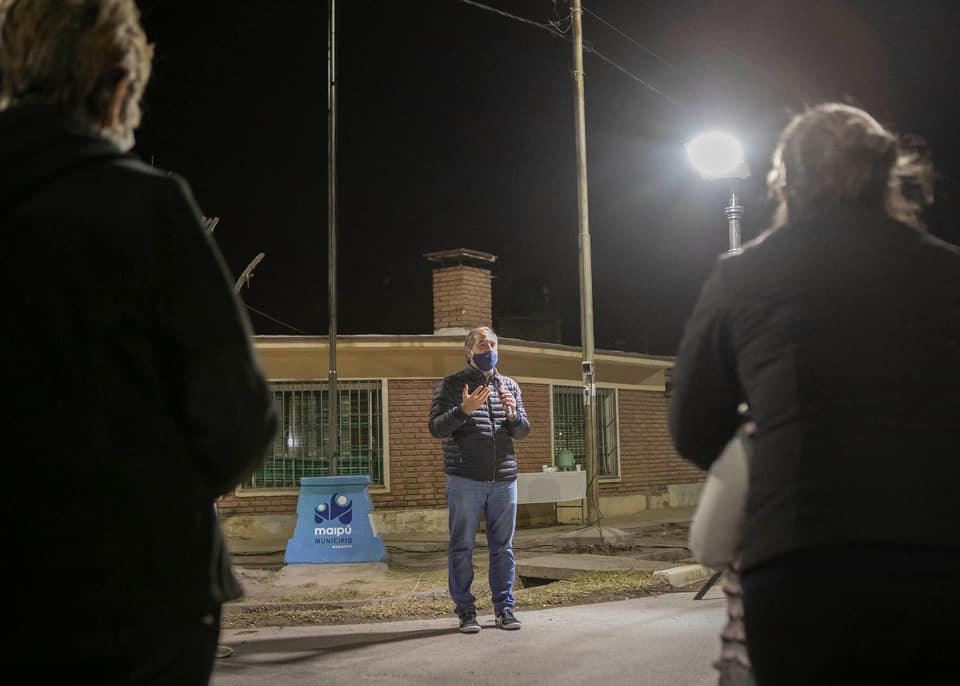 Inauguraron nuevas luces LED en el Barrio Ciudadela de Maipú