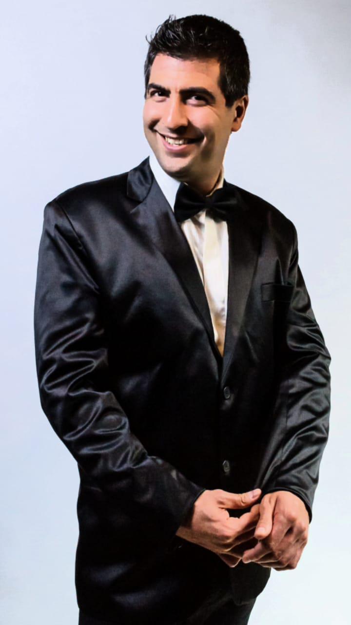 Luk Danser (Músico/compositor/cantautor/intérprete/show en vivo)