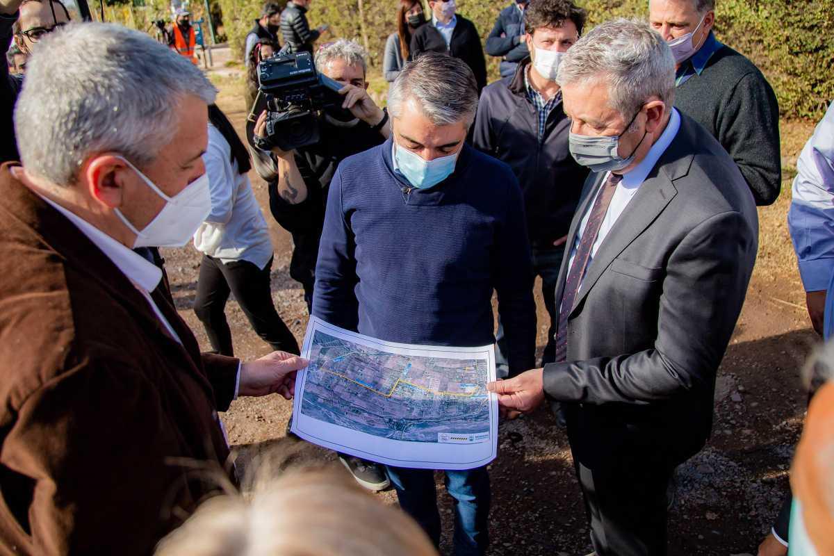 Bragagnolo y Suárez inauguraron la repavimentación de la calle Roque Sáenz Peña