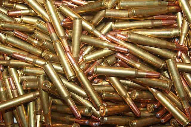 Cuando las armas de tu vecino veas pelar...