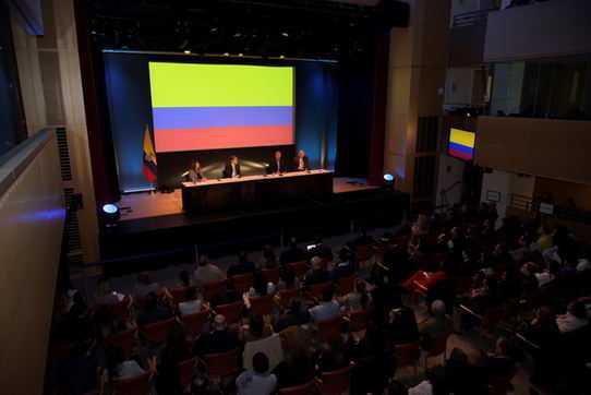Yo quiero ver a la comunidad colombiana en el exterior activa!!