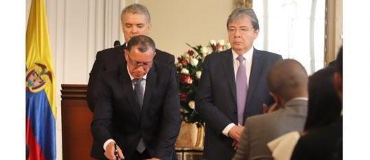 Se posesionan los Embajadores de Colombia en Argelia, India, Jamaica, Marruecos y Vietnam ante el Presidente Iván uque en Casa de Nariño