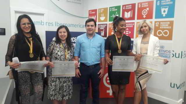En la sede de la Secretaria General Iberoamericana ( SEGIB) el congresista Juan David Vélez se reunió con la diáspora colombiana en Madrid España