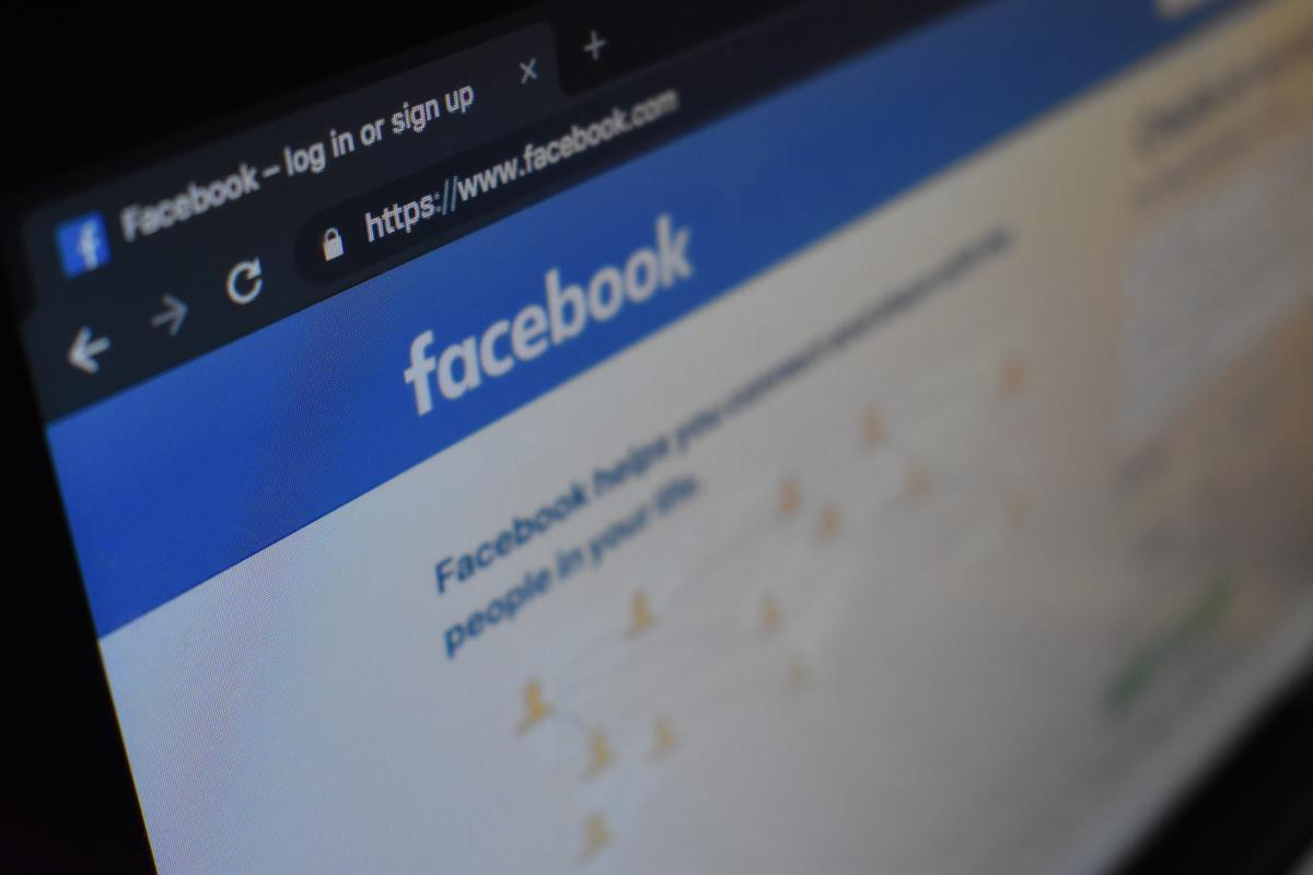 Presidente Duque se conectó por Facebook Live y respondió preguntas de los colombianos sobre la cuarentena y las medidas para afrontar la pandemia del coronavirus
