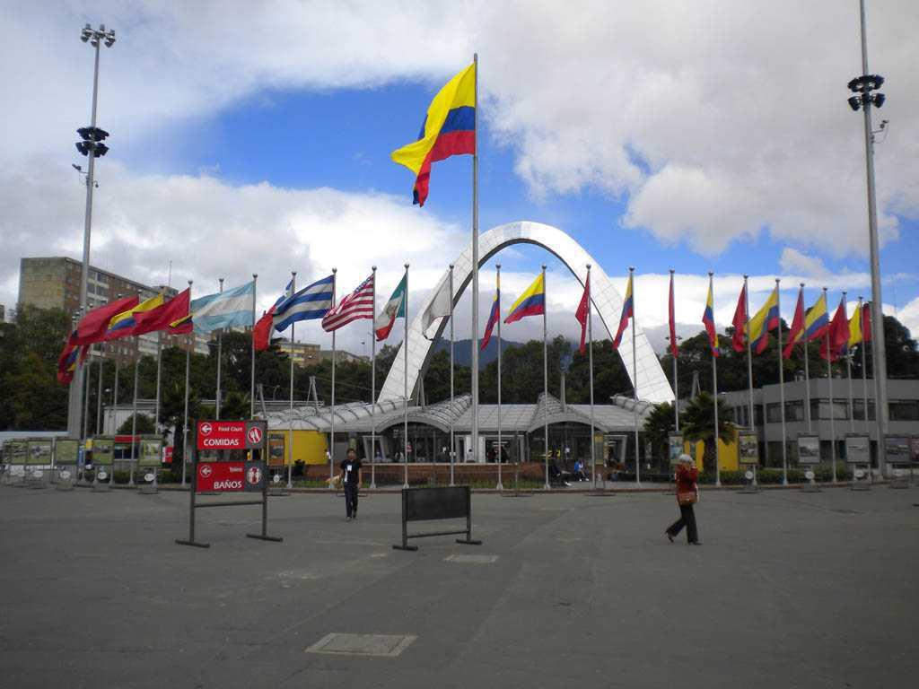 Presidente Duque revisó la adecuación de Corferias y del Hospital Militar, en Bogotá, para atender la pandemia el coronavirus