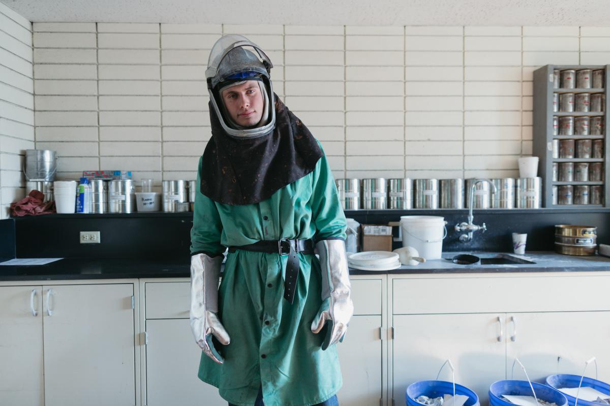 MinSalud y Positiva entregan equipos de bioseguridad al personal médico de varias instituciones hospitalarias