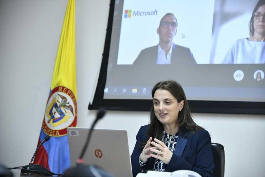 Ministerio TIC y Microsoft firman acuerdo para impulsar la reactivación económica inclusiva