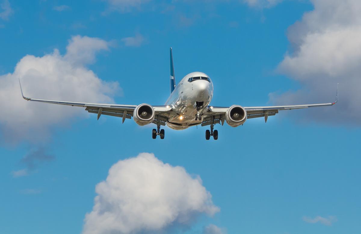 Más de 28 mil ciudadanos colombianos han regresado al país en 220 vuelos de carácter humanitario