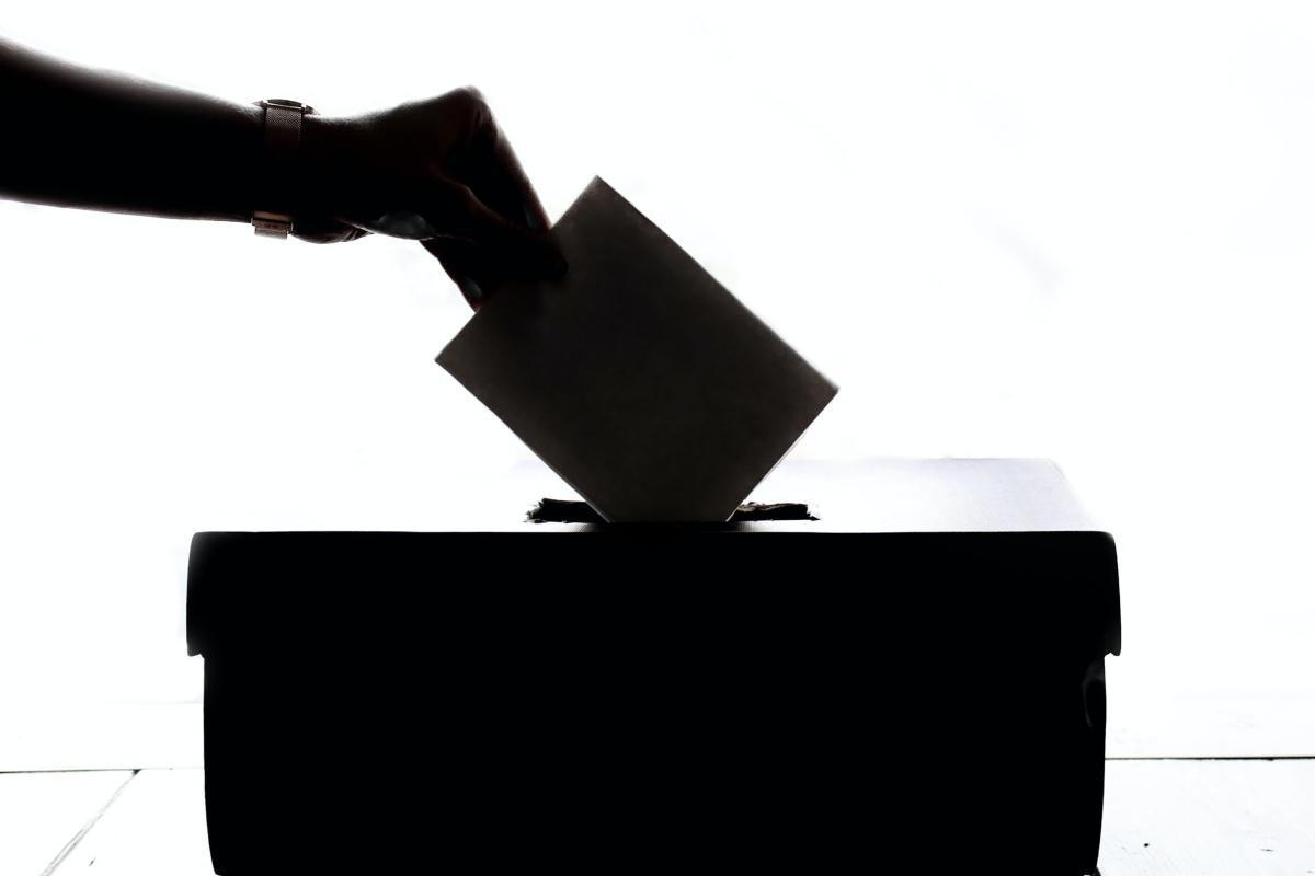 Vicepresidenta de la República llama a apoyar listas paritarias en reforma electoral
