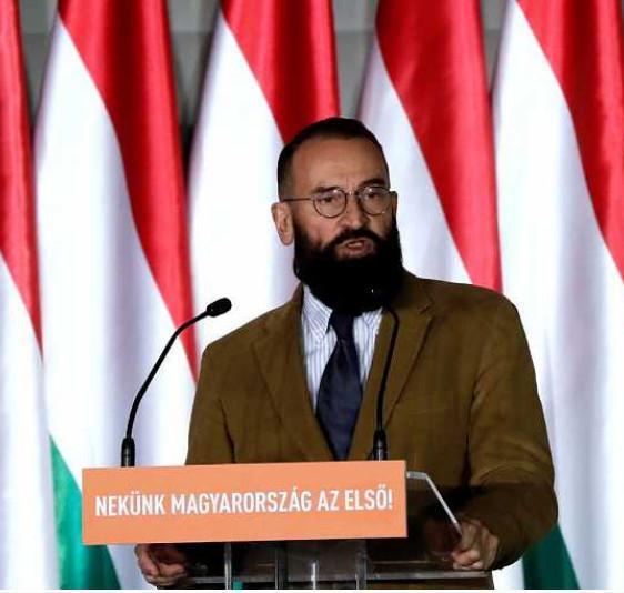 'Pillado' en una orgía en un bar de Bruselas un eurodiputado del partido de Orban