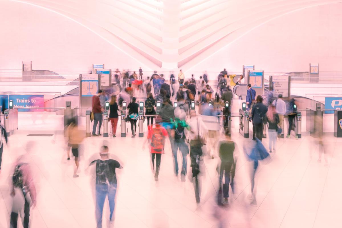España:Inmigrantes que se encuentren en situación de desempleo pueden elegir retornar a su país de origen acogiéndose al Plan de Retorno Voluntario