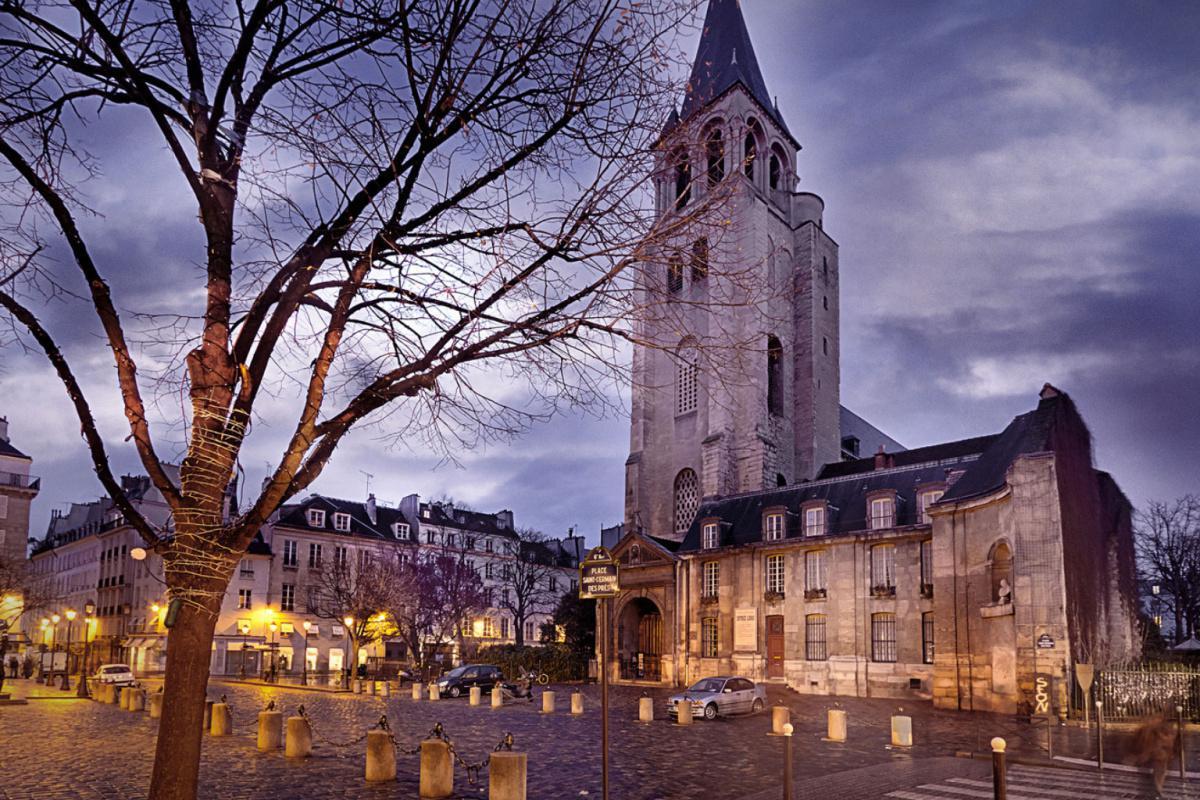 Saint-Germain des Prés, une abbaye entre cours privées et jardins secrets