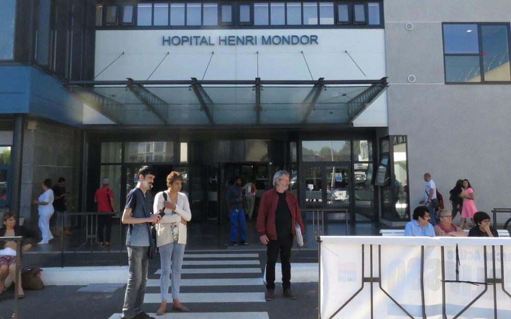 Créteil : « 300 rendez-vous préopératoires » annulés à Mondor, d'après un syndicat