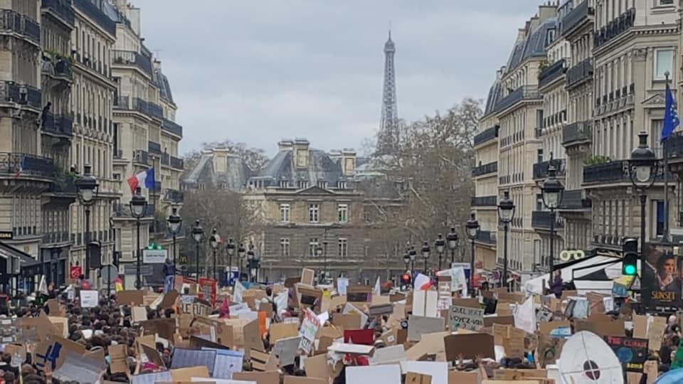 Mobilisation de la jeunesse dans tout le pays pour la justice climatique.(Photos)