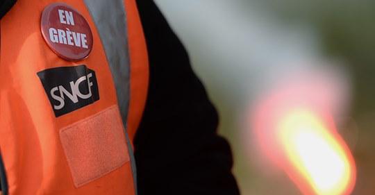 Perturbations à la SNCF : Facebook censure-t-il les pages des syndicats de cheminots ?