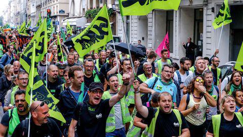 Grèves, droit de retrait... Pourquoi le climat est devenu aussi explosif au sein de la SNCF