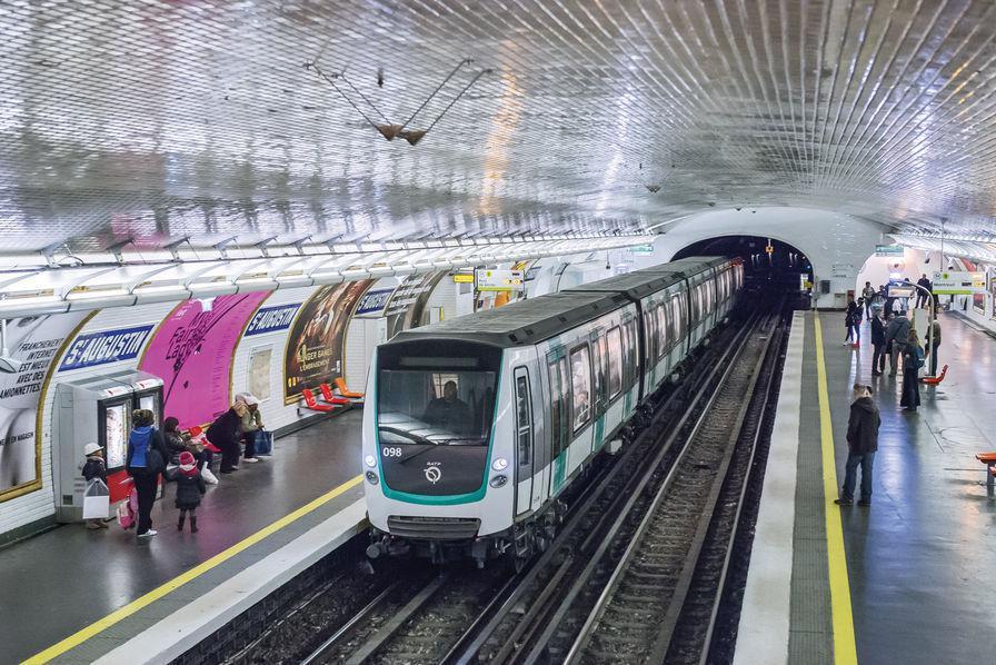 Grève du 5 décembre en Ile-de-France : 11 lignes de métro fermées, le trafic des RER A et B partiellement assuré et uniquement aux heures de pointe
