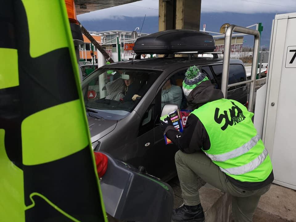 Nouvelle opération « péage gratuit » en Savoie aujourd'hui SUD-Rail / Gilets Jaunes(28 Décembre)