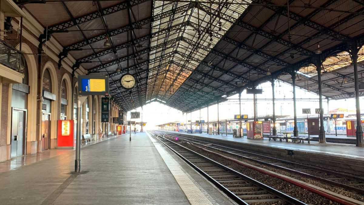Coronavirus : des agents de nettoyage de la gare SNCF à Toulouse exercent leur droit de retrait