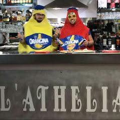 Les mascottes de l'Athélia Café