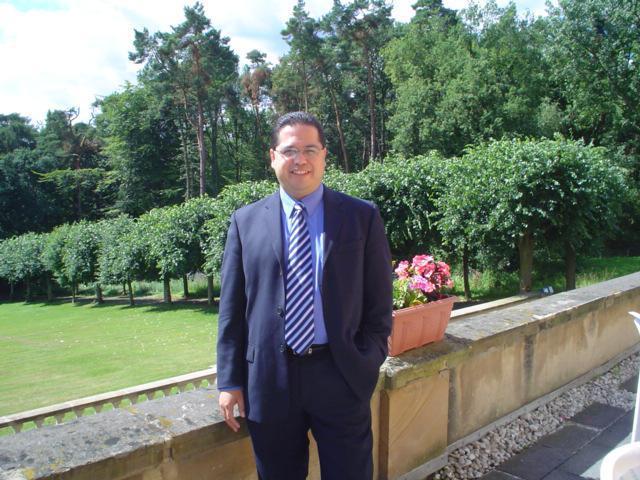 Dr. Alan Castillo