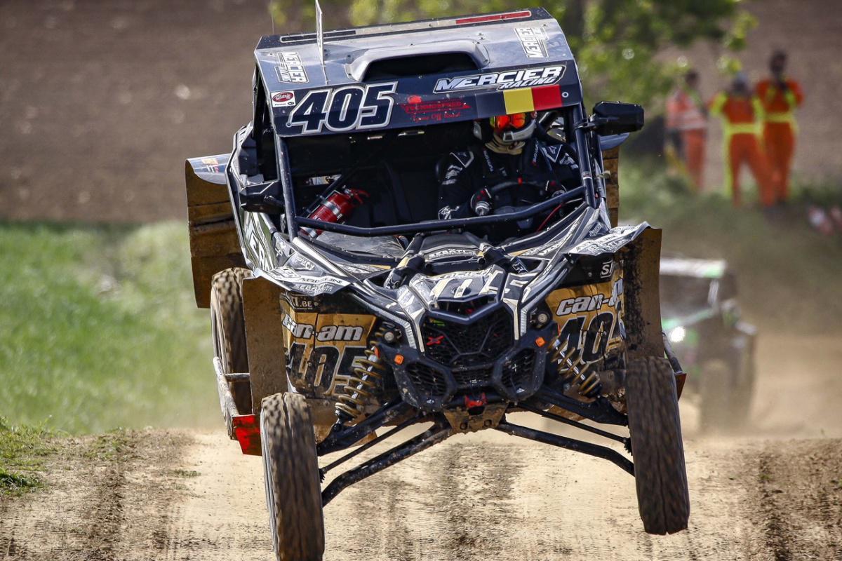 001 - Mercier Racing Team