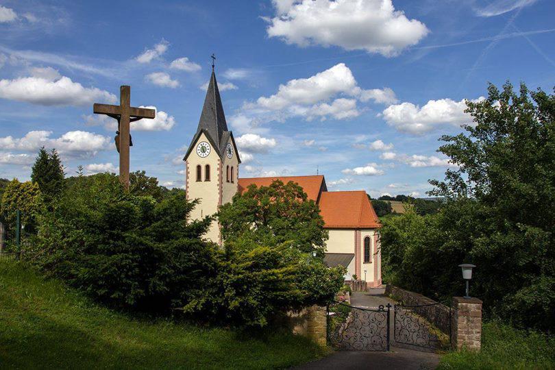 Friedhof und Kirche