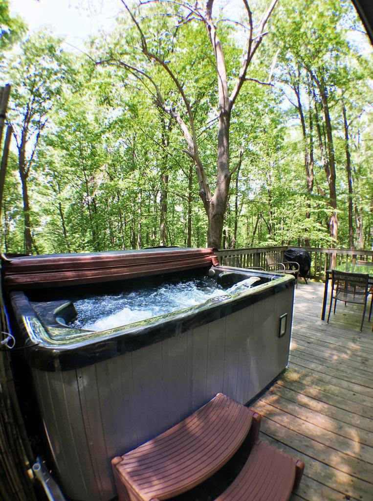 Hot Tub Heaven Vacation Cabins