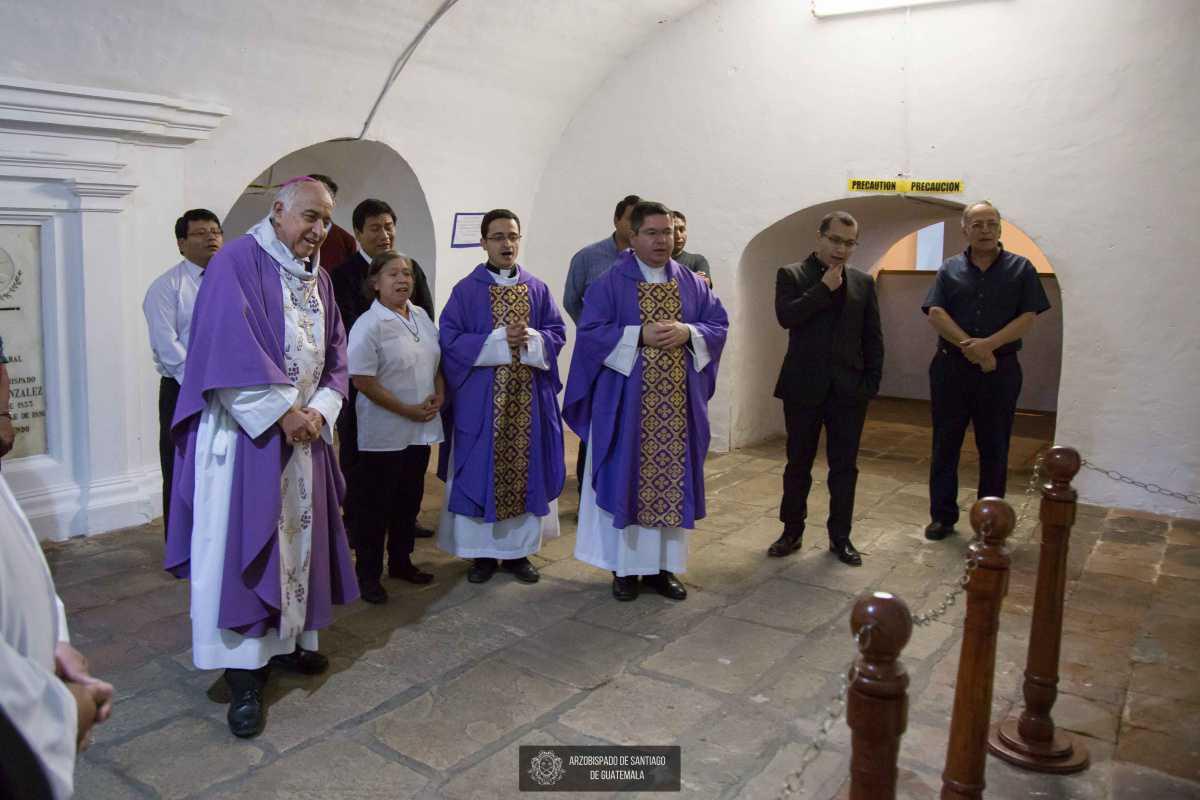 Santa Eucaristía por el Aniversario del fallecimiento de Mons. Oscar Julio Vian Morales, sdb
