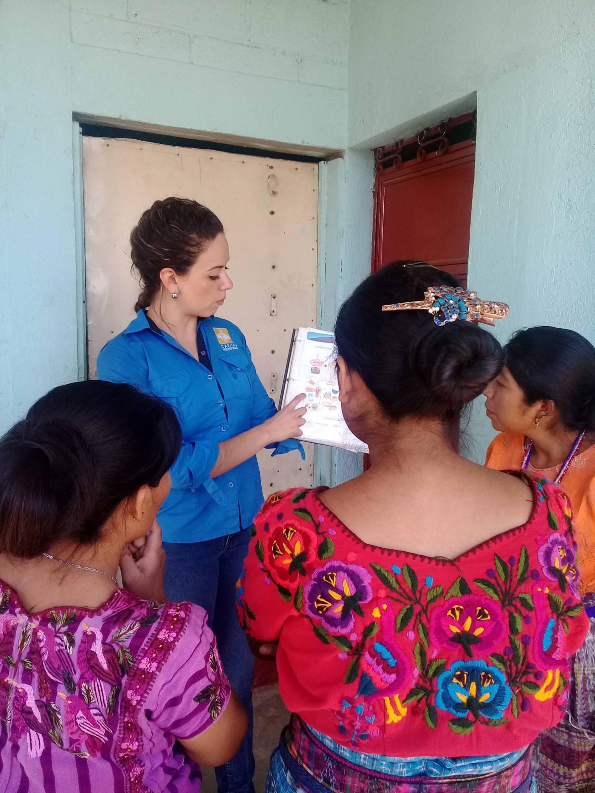 Niños y niñas que padecen desnutrición crónica, son atendidos por Cáritas Arquidiocesana
