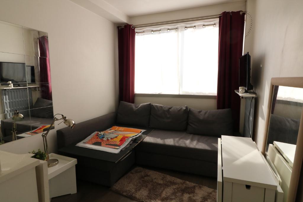 Puteaux - Appartement 12,27m²