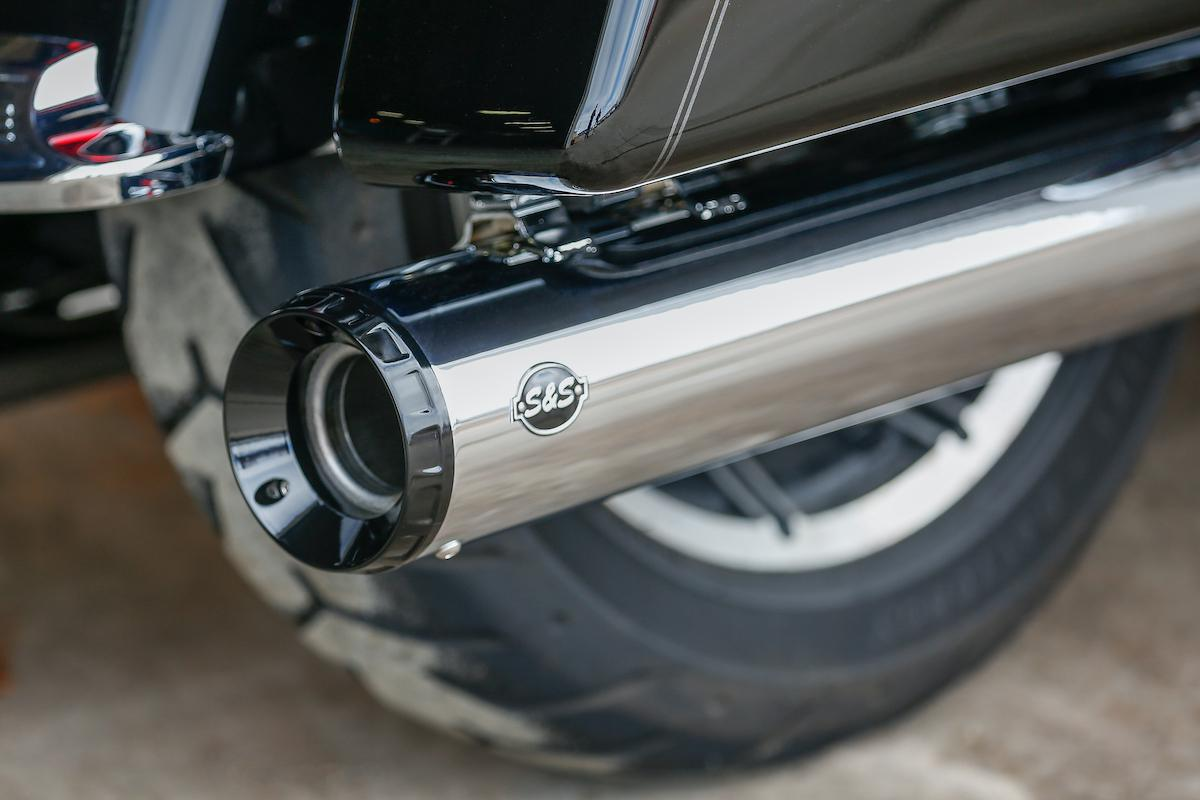 "S&S Cycle - GNX 4.5"" Slip-on for HD Touring models"