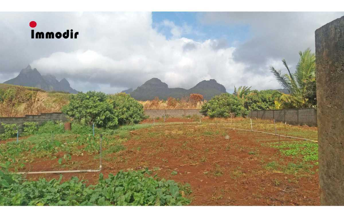 Residential Land for Sale in Montagne Longue - 157097