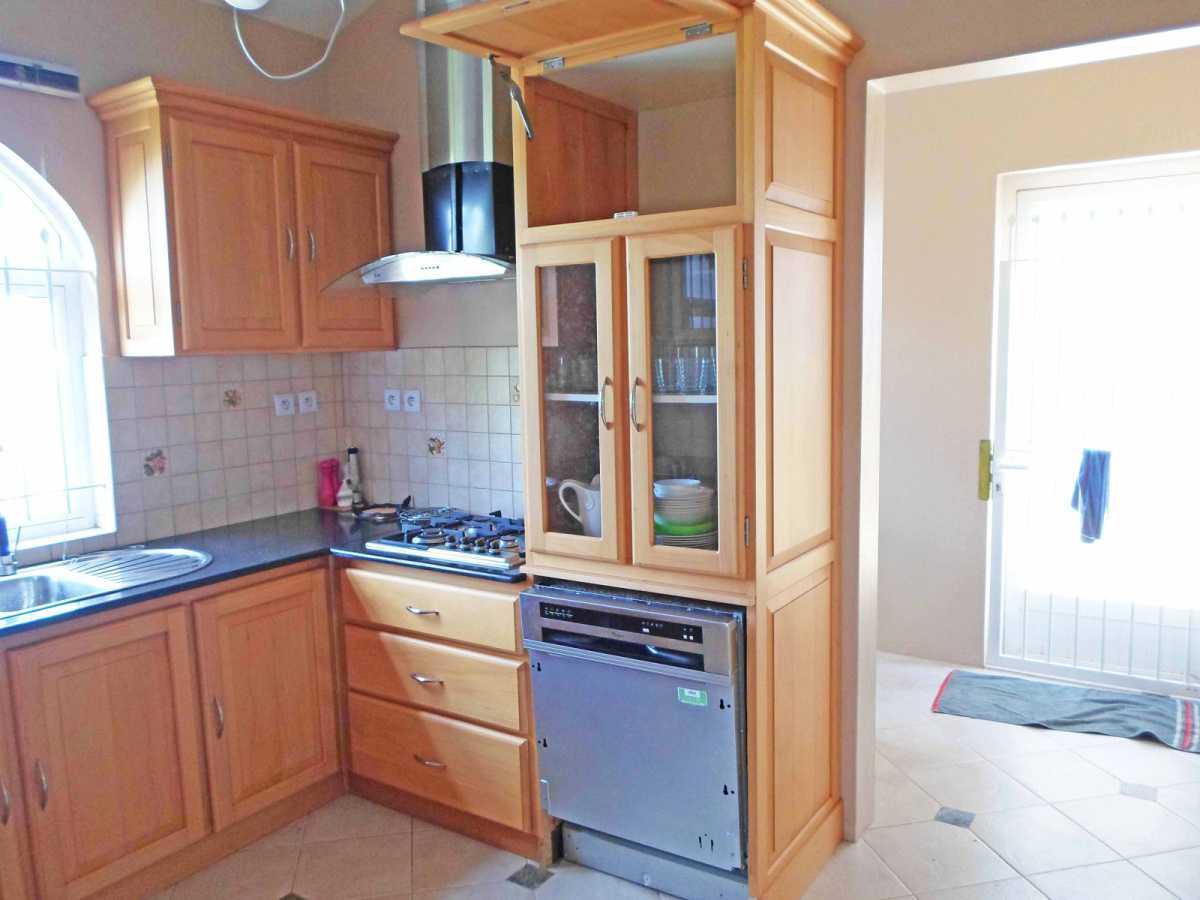 Villa for Sale in Albion - 157125
