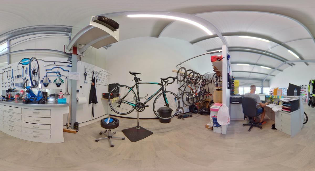 Visite virtuelle 360° à Nérac (47600) du magasin de cycles Albret Cycles