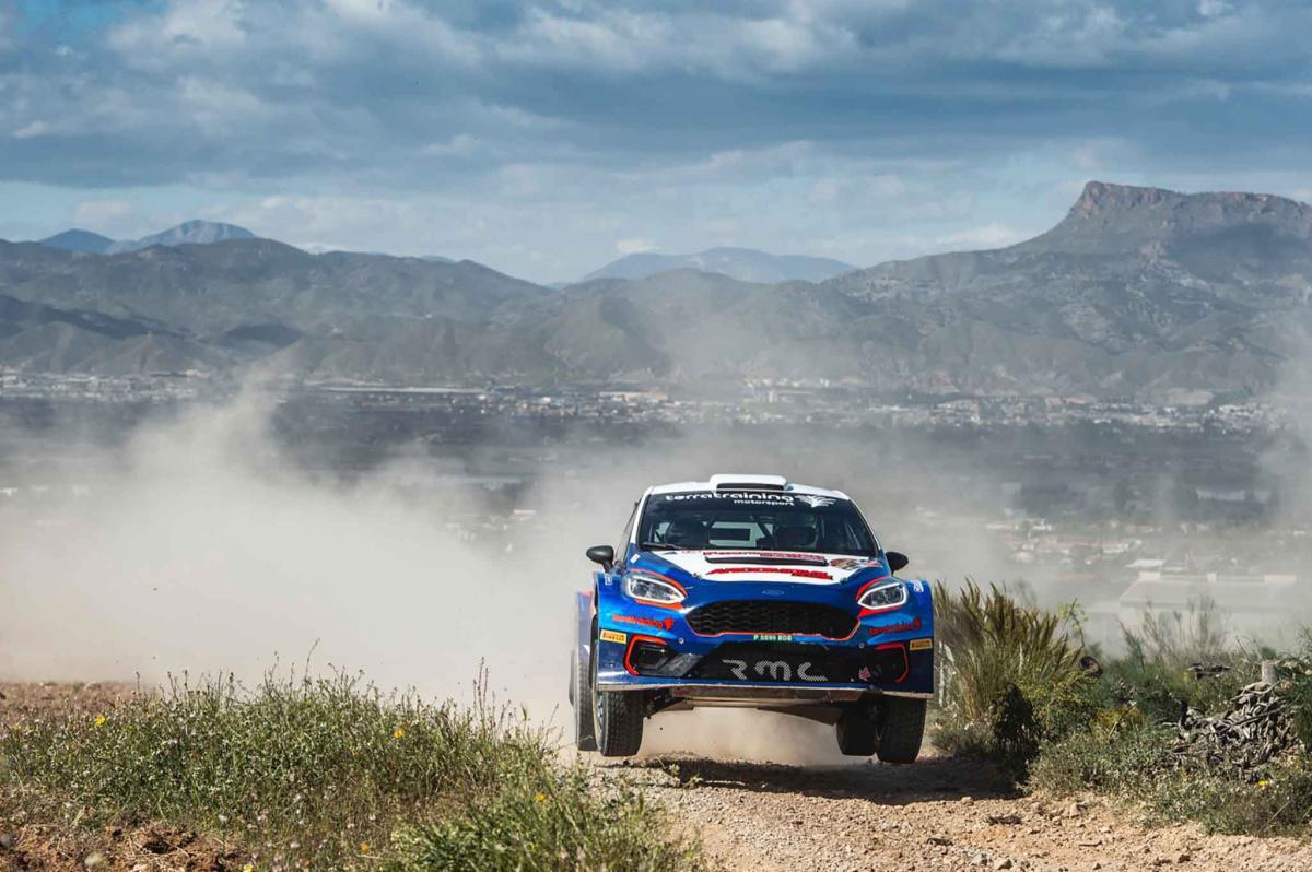 Xevi Pons lidera el tramo de calificación con el nuevo Ford de Terra Training Motorsport