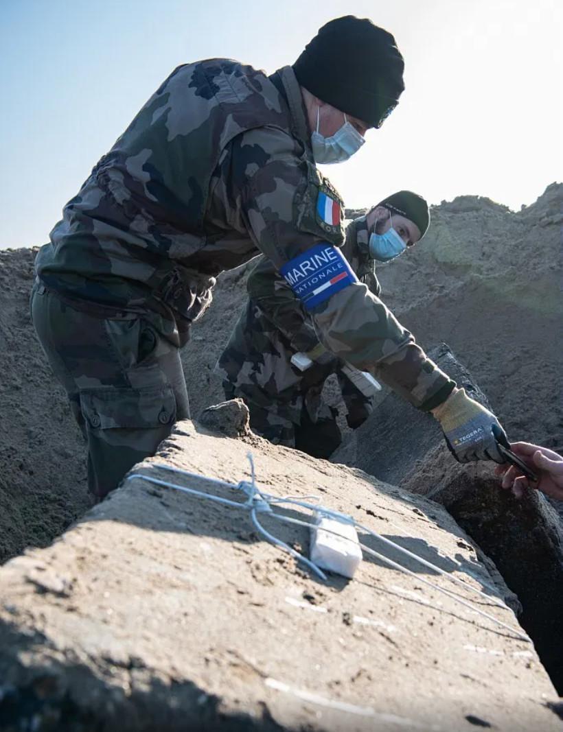 Les démineurs ont neutralisé 2 mines antichar et un obus de 274mm