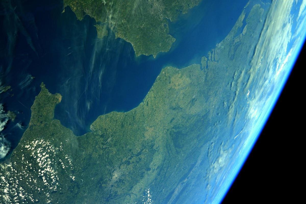 Depuis l'espace, Thomas Pesquet dévoile de magnifiques photos du Nord et du Pas-de-Calais