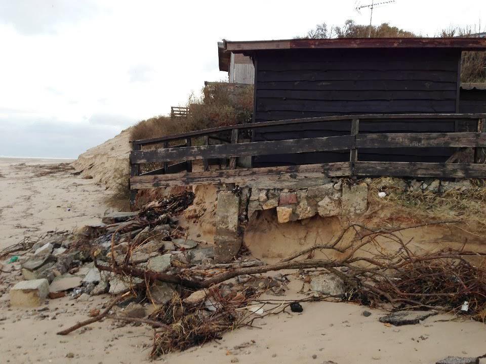 Digue Tempette Dec 2013 chalet entree plage 15