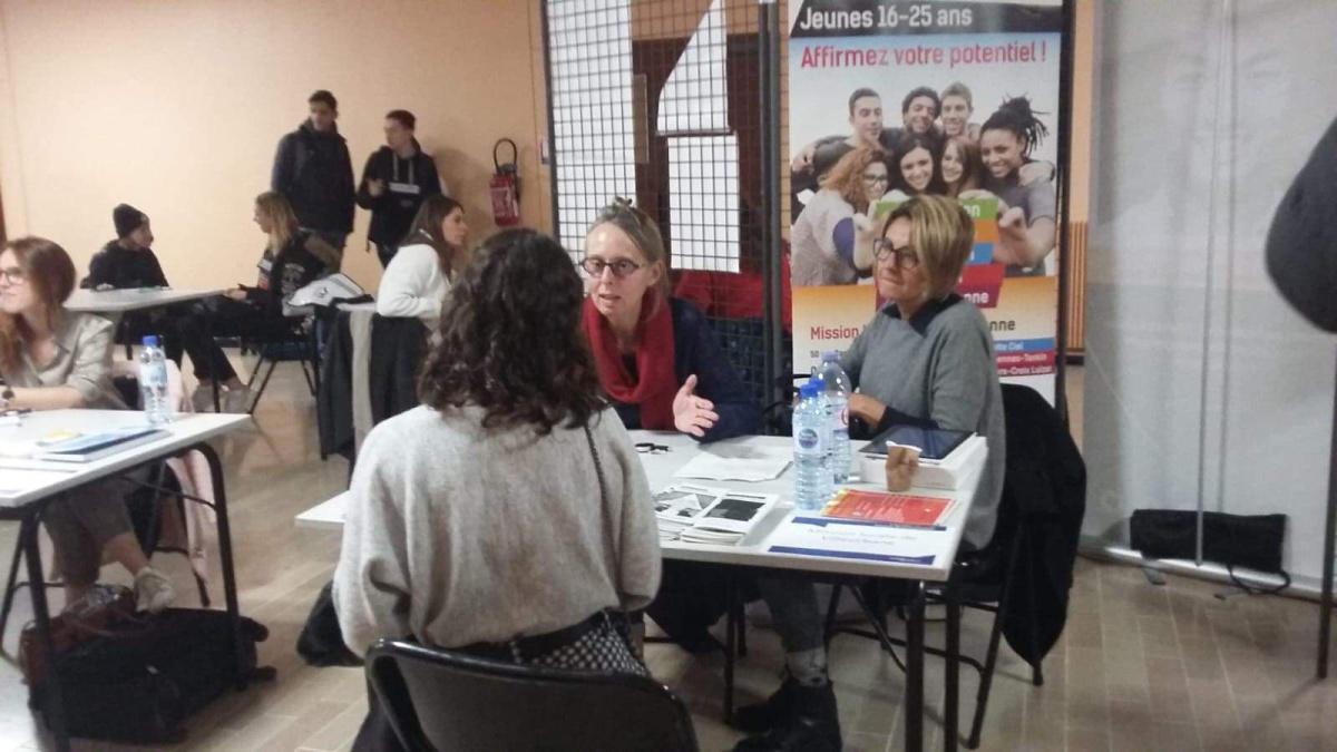 """La Mission Locale était présente au Forum """"Changer de Cap"""""""