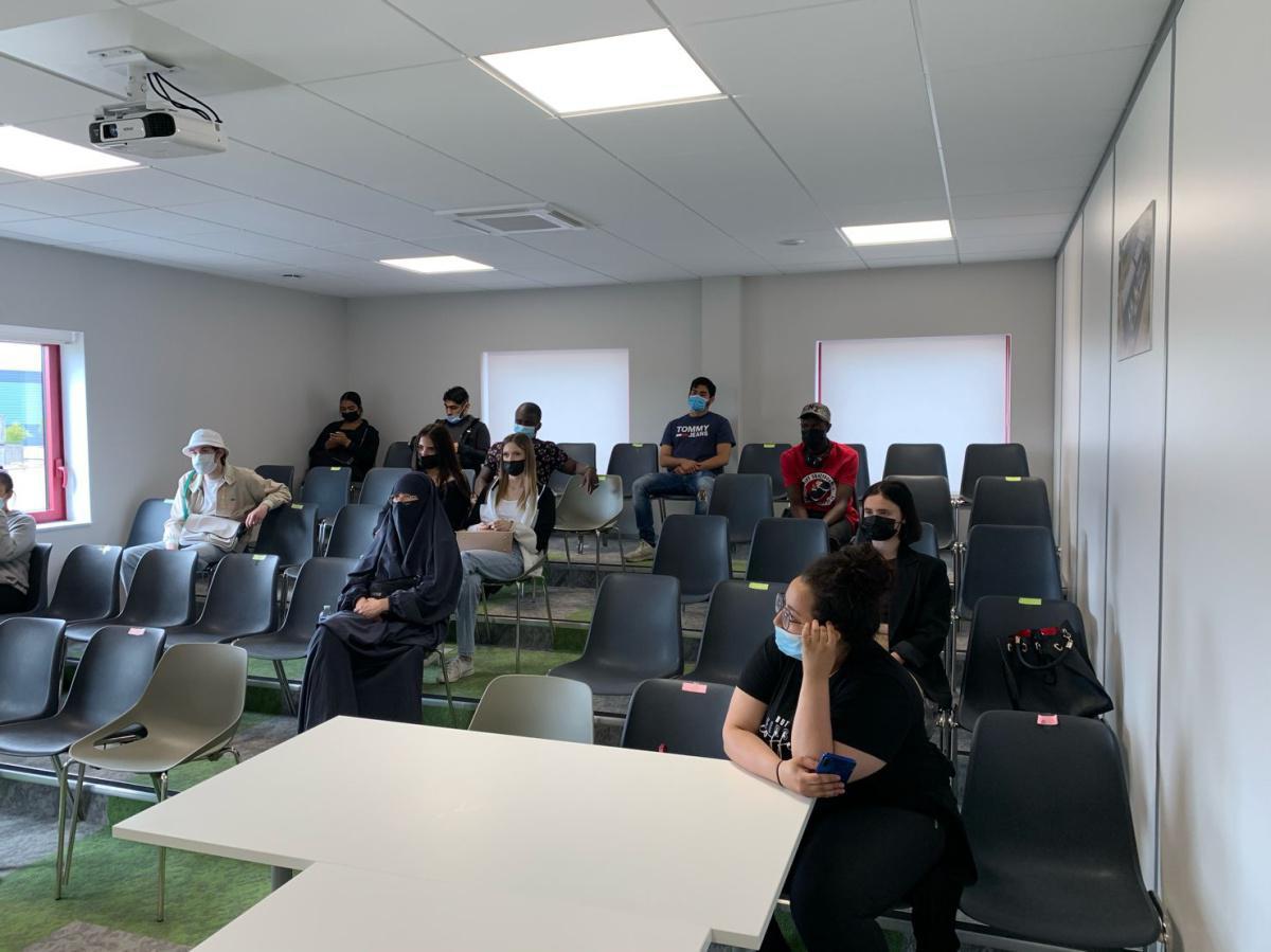 La Garantie Jeunes en visite dans un DataCenter
