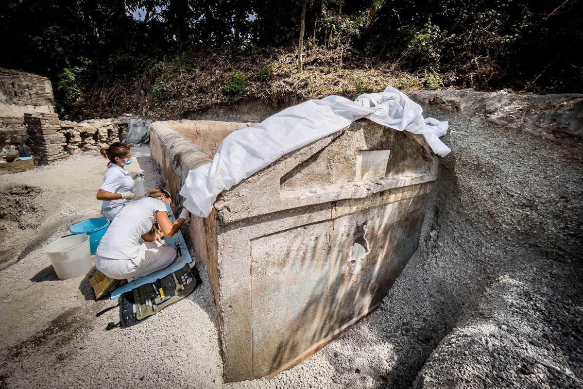 [Focus] - Pompei : découverte d'une tombe unique avec un corps à moitié momifié