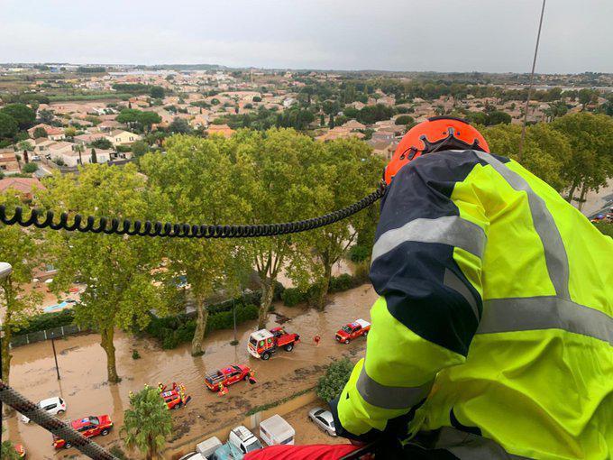 Mise en sécurité d'habitants de Villeneuve-lès-Béziers.